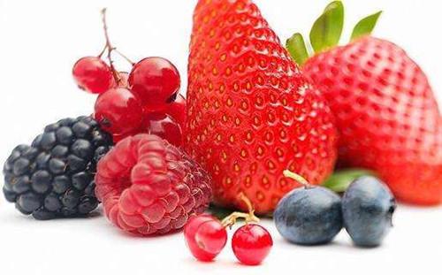 多吃高蛋白食物以及维生素C含量高的食物有助于预防妊娠纹的产生.jpg