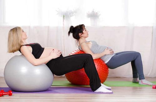 孕期适量运动有助于预防妊娠纹.jpg